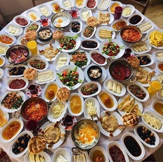 Pazar sabahları Türkiye