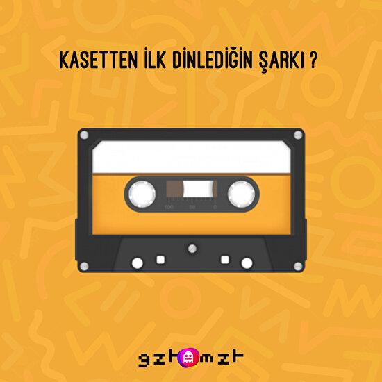 Güzel zamanlardı diye bahsettiğimiz o günlere sizleri geri götürüyoruz... Kasetten dinlediğiniz ilk şarkı hangisiydi bizimle paylaşır mısınız? 🎵