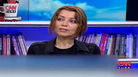 Elif Şafak: Ayasofya kilise olsun