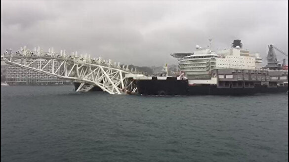TürkAkım hattını döşeyen dev gemi İstanbul Boğazı'ndan geçiyor