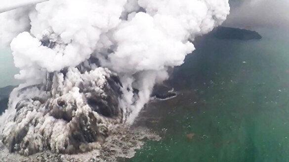 Tsunamiye neden olan yanardağdaki hareketlilik devam ediyor