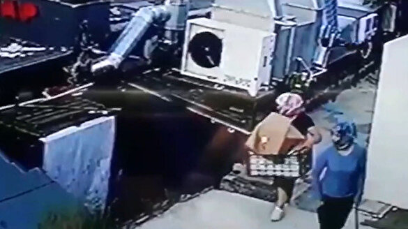 Kadın kıyafeti giyip hırsızlık yapmaya kalkıştılar