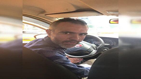 Taksici kısa mesafeyi duyunca kadın yolcuyu indirmek istedi