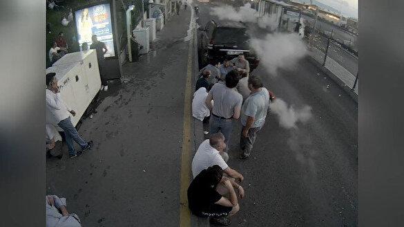 Metrobüs durağındaki vatandaşların tank atışıyla vurulma anları