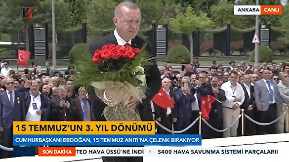 Cumhurbaşkanı Erdoğan Şehitler Anıtı'na çiçek bıraktı