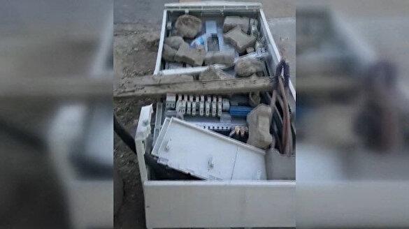 Kaçak elektriği önlemek amacıyla kurulan panoları kırdılar