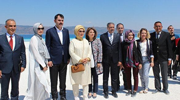 Emine Erdoğan Salda Gölü'nde