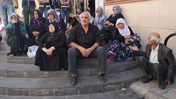 'Evlat nöbeti' tutan aileler TVNET'e konuştu
