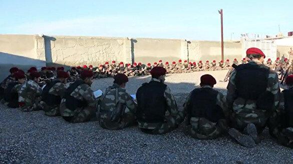 Suriye Milli Ordusu operasyon öncesi Fetih Suresi okudu