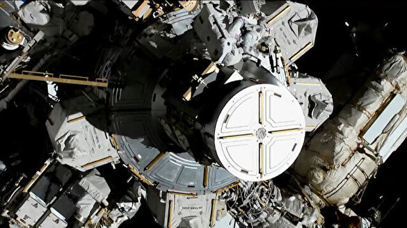 İlk kez iki kadın astronot aynı anda uzay yürüyüşü yaptı