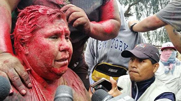 Kadın belediye başkanına işkence: Boya döküp sokakta sürüklediler