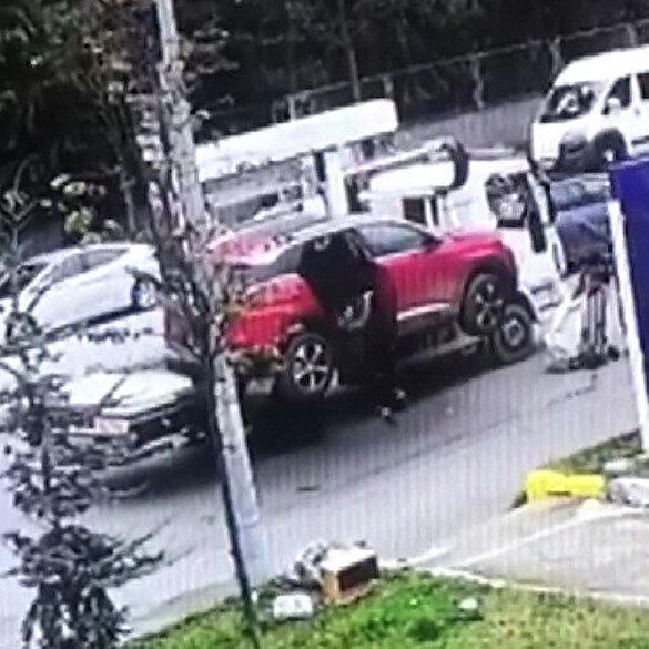 Çekicinin kaldırmasıyla panikleyen kadın kendini aşağı bırakarak yaralandı