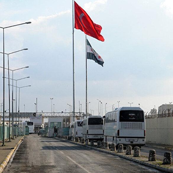 Suriyeli 500 kişi Tel Abyad'a geri döndü