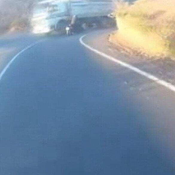 Motosiklet sürücüleri ölümden döndü