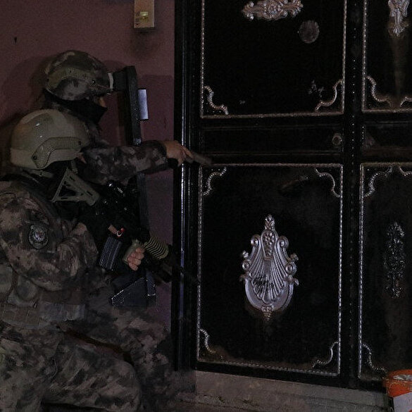 Adana'da PKK'ya şafak operasyonu