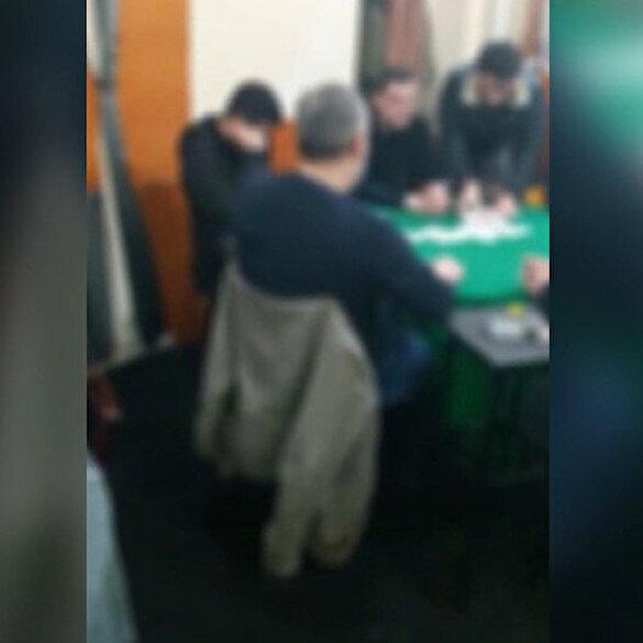 Koronavirüs dinlemediler: Kahvehanede kumar oynayan 15 kişi yakalandı