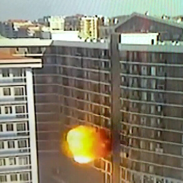 Esenyurt'ta binadaki patlama anı kamerada