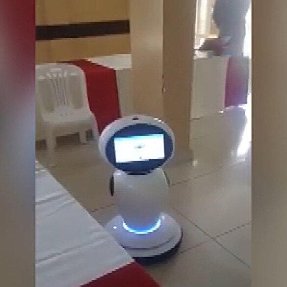 Ruanda'da koronavirüse karşı robotlar devrede