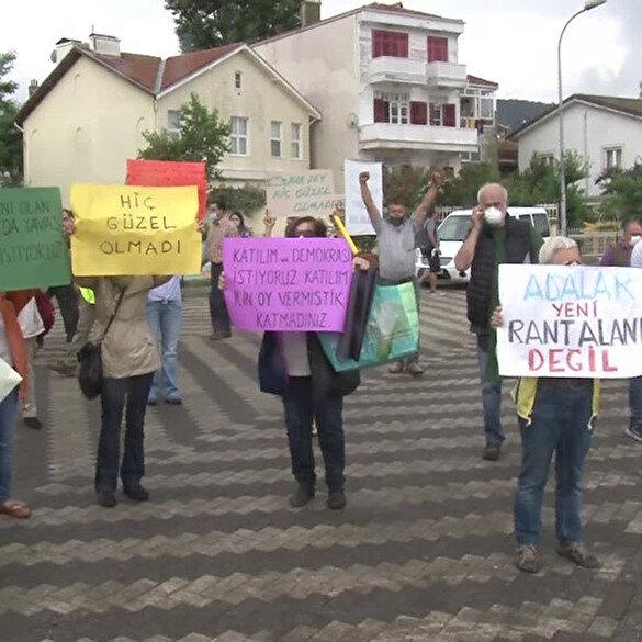 Büyükada'ya gelen Ekrem İmamoğlu protesto edildi