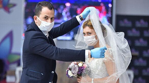 Düğün salonlarının açılmasına sayılı günler kaldı: Halaysız düğün olur mu?
