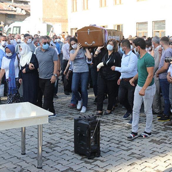 Pınar Gültekin'in cenazesini kadınlar taşıdı