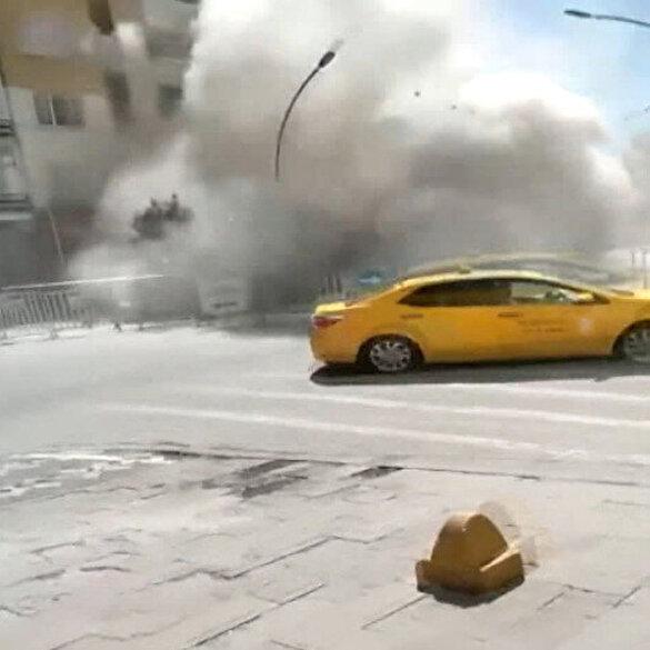 Elazığ'daki depremde hasar gören bina yıkım esnasında çöktü