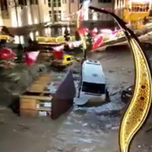 Giresun'un Dereli ilçesinde sokaklar şiddetli yağış nedeniyle dereye döndü