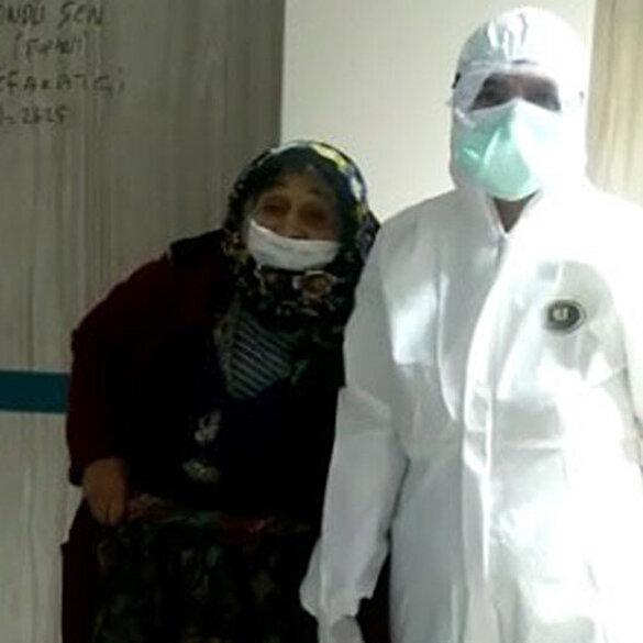 Koronavirüse yakalanan yaşlı çift tedavilerinin ardından taburcu oldu