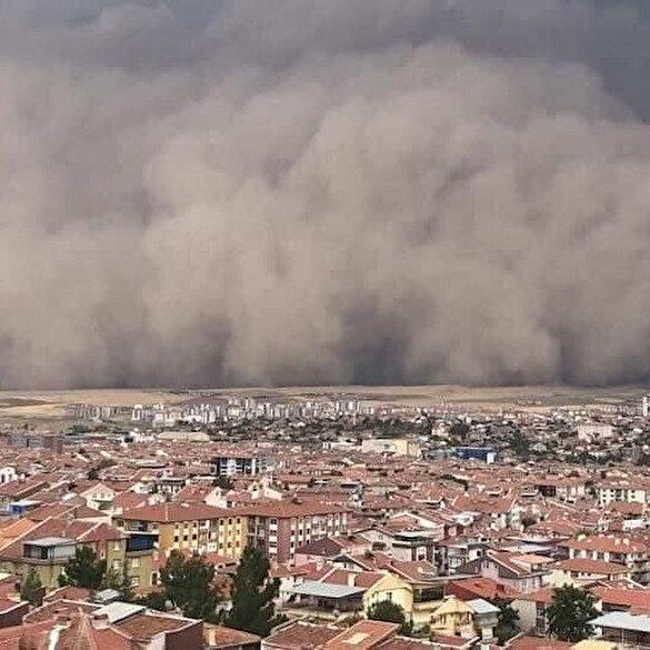 Ankara'daki kum fırtınası paniğe neden oldu: O anlar kameralara böyle yansıdı