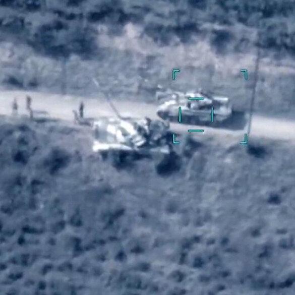 Azerbaycan'ın Ermenistan'a ait tankları vurduğu anlar
