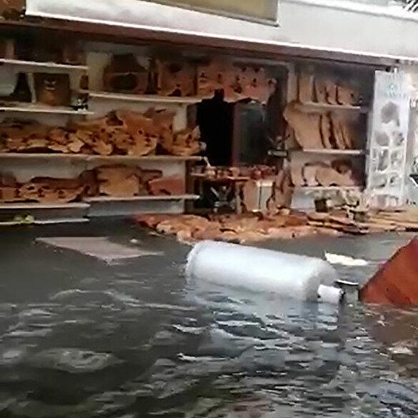 İzmir'deki tsunami paniği kamerada: Abi bu böyle devam edecek mi?