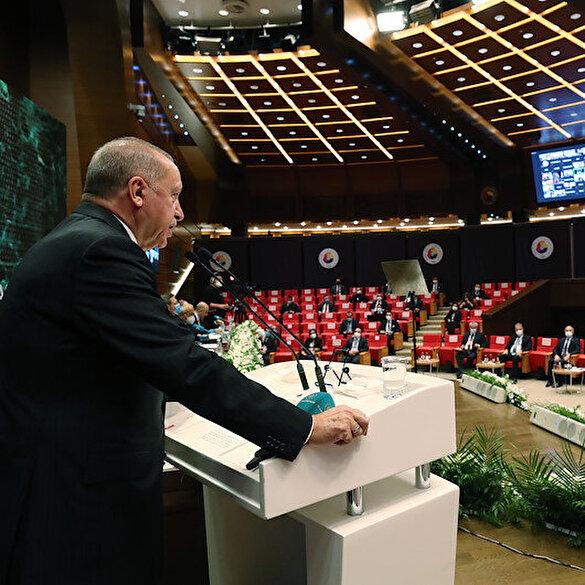 Cumhurbaşkanı Erdoğan'dan 'faiz' açıklaması: Yatırımcımızı yüksek faize ezdirmememiz gerekiyor