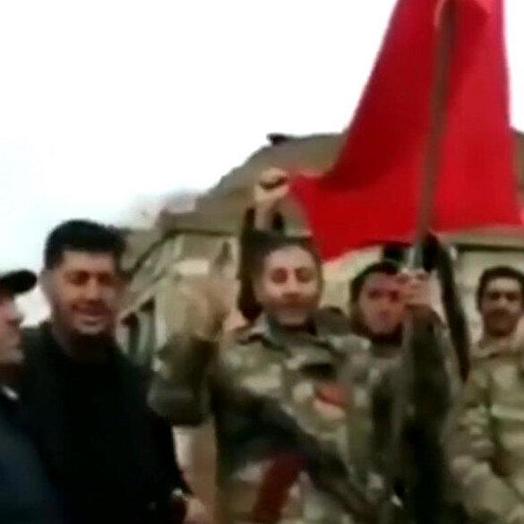 Azerbaycanlılardan Türkiye'ye teşekkür: Kardeş ülkenin bayrağını dalgalandırıyoruz