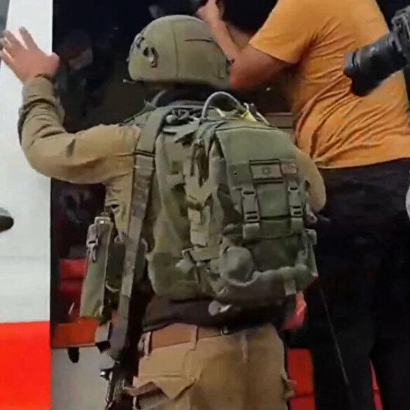 İşgalci İsrail askerleri ambulanstaki yaralı Filistinli gence böyle saldırdı