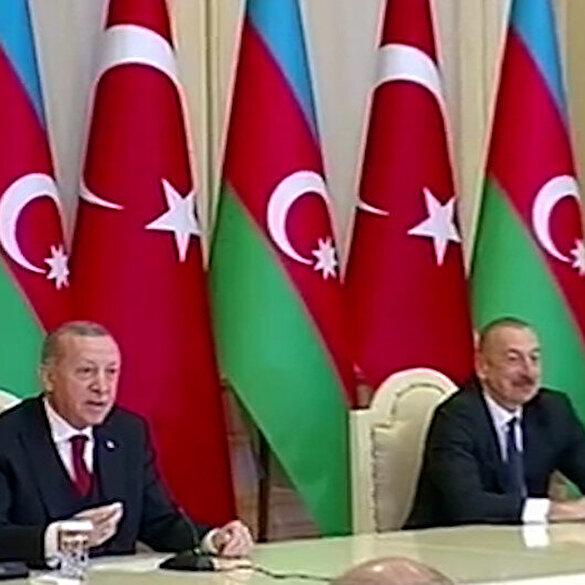 Cumhurbaşkanı Erdoğan, Macron'a 'siyaseti öğrenememiş' dedi, Aliyev kahkahaya boğuldu