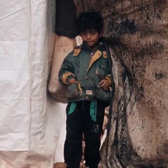 İdlibli mülteciler zorlu kış şartlarında yaşam mücadelesi veriyor