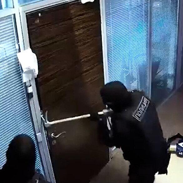 Rus muhalif Navalny'nin evine ve vakfına polis baskını