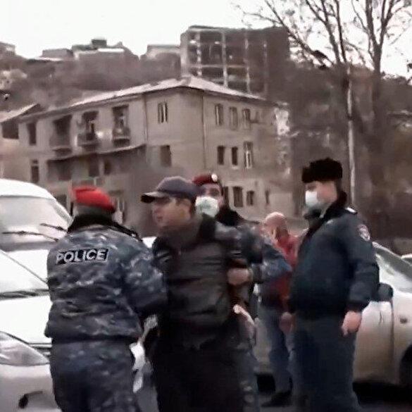 Ermenistan'dan sıcak görüntüler: Paşinyan, ordunun darbe çağrısına karşı taraftarlarını meydanlara çağırdı