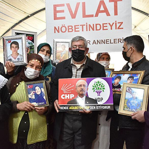 Kılıçdaroğlu'nun kardeşi 'Ben de ağabeyimi HDP'den istiyorum' pankartı açtı