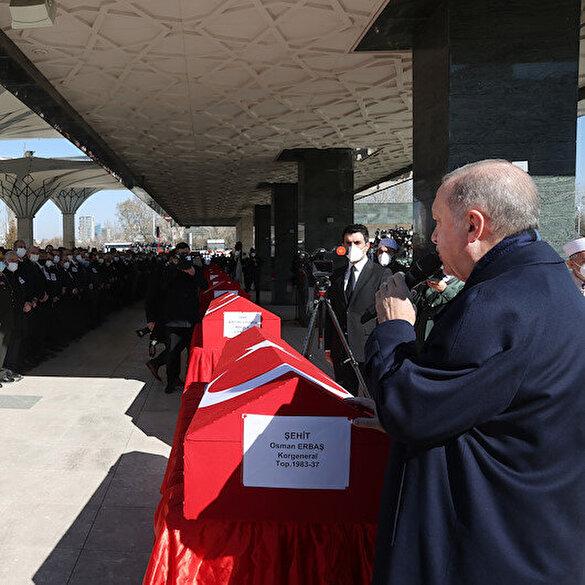 Bitlis şehitlerine son görev: Cenazeye Cumhurbaşkanı Erdoğan da katıldı
