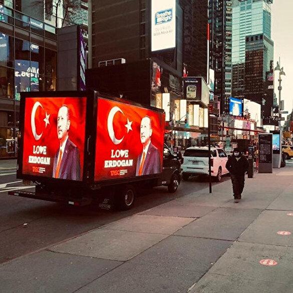New York Times Meydanı'nda 'Dombra'lı Erdoğan sevgisi