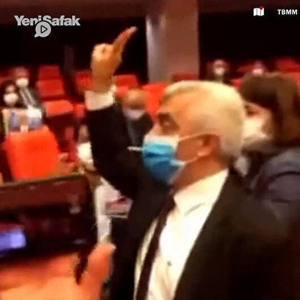 Gergerlioğlu'nun vekilliğinin düşürülmesinin ardından HDP'liler terör örgütü PYD sloganı attı: Berxwedan jiyane (Yaşamak direnmektir)