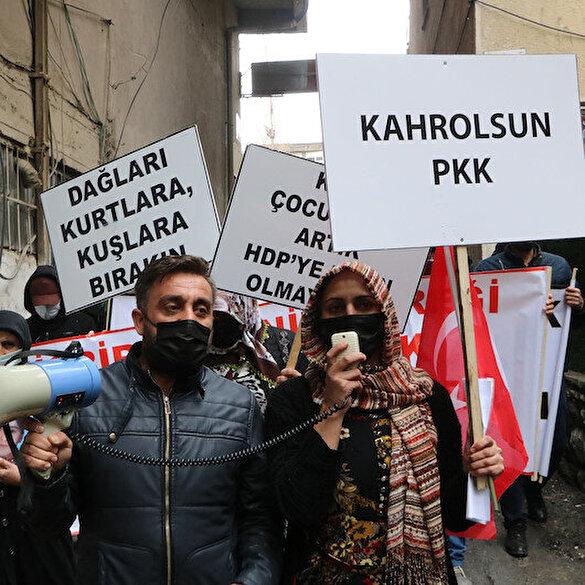 Hakkari'de HDP'liler, evlat eylemini engellemek için yüksek sesle müzik çaldı