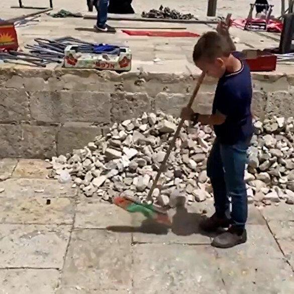 İşgalciler yaktı yıktı, Filistinli küçük çocuk temizledi