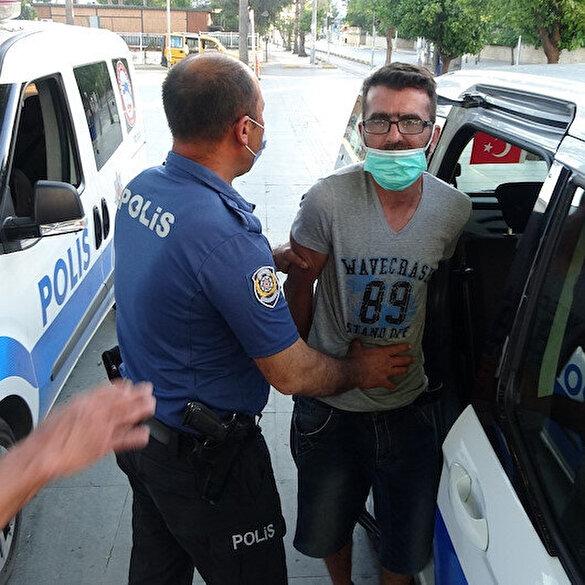 Antalya'da maske takmamakta direnen turist gözaltına alındı