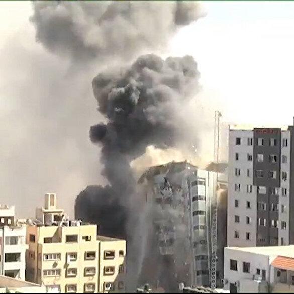 İşgalci İsrail güçleri içerisinde medya kuruluşlarının da bulunduğu binayı yerle bir etti