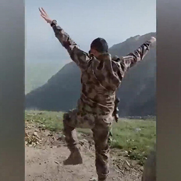 Şehit özel harekat polisi Veli Kabalay'ın zeybek oynarken çekilen görüntüsü sosyal medyada ilgi gördü