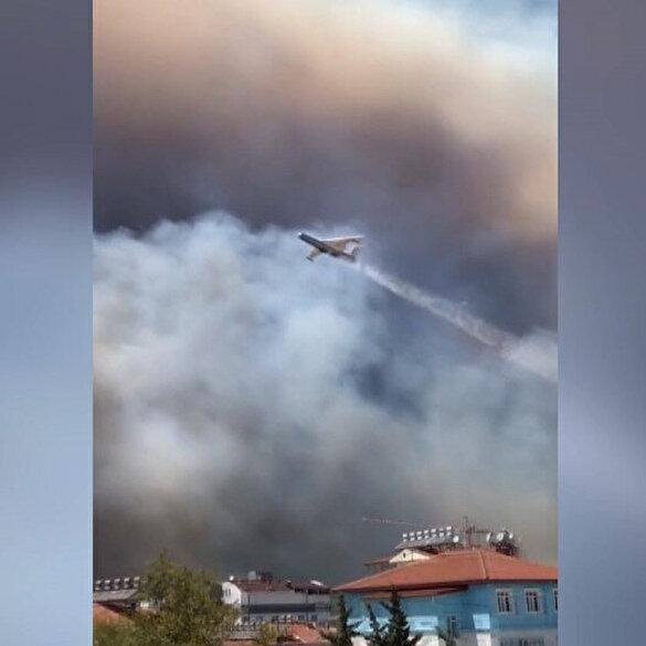 Manavgat'taki orman yangınına havadan ve karadan müdahale ediliyor