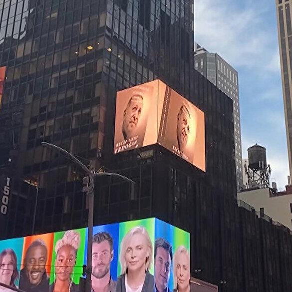 Cumhurbaşkanı Erdoğan'ın 'Daha Adil Bir Dünya Mümkün' kitabı Times Meydanı'nda tanıtıldı