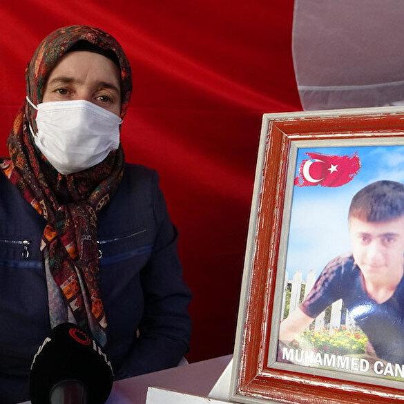 Diyarbakır'da Evlat nöbeti tutan acılı anne Hatice Ay: 7 yıldır evde ne rahatımız var ne de huzurumuz